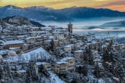 paese sacro monte inverno alto